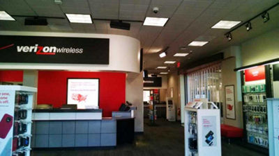 f85f6e965b7 Verizon Wireless at Dartmouth Mall MA